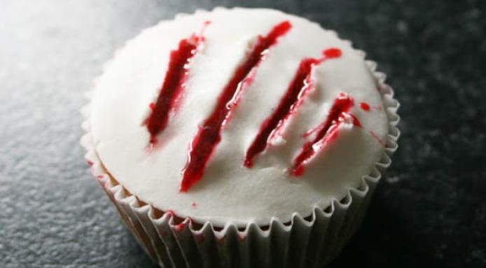 Bloody Halloween Cupcakes  Halloween Cupcake Ideas How To Make Bloody Halloween Cupcakes