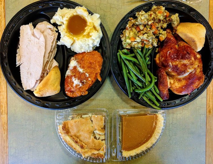 Boston Market Thanksgiving Turkey Dinner  Boston Market sells plete Thanksgiving dinners