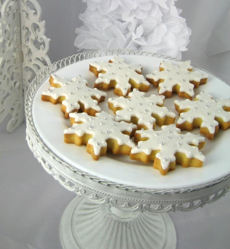 Bubble Room White Christmas Cake Recipe  78 best Snowman desserts images on Pinterest