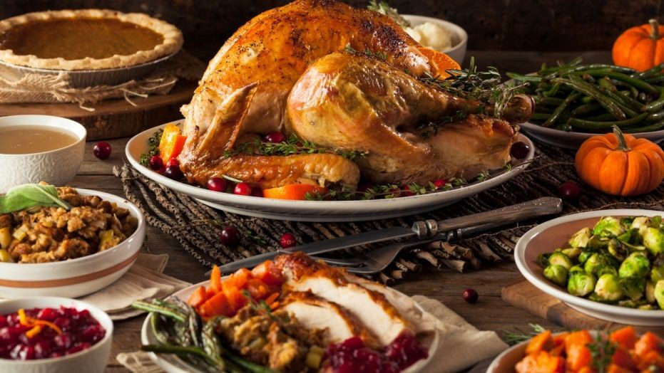 Calories In Thanksgiving Dinner  How many calories are in a Thanksgiving meal