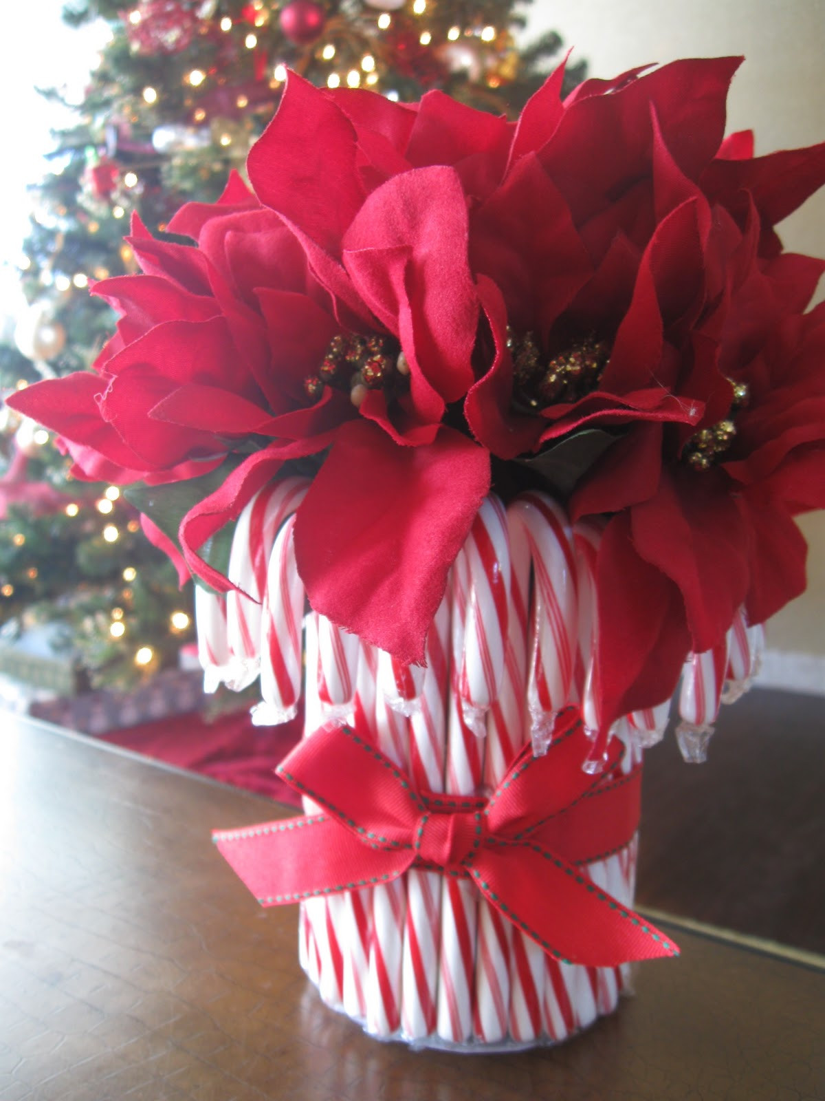 Candy Cane Ideas For Christmas  DIY Candy Cane Vase