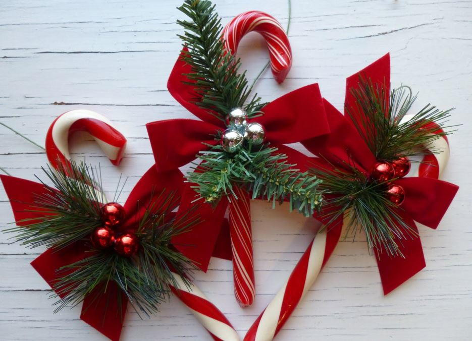 Candy Cane Ideas For Christmas  Candy Cane Crafts 14 Homemade Christmas Ornaments and