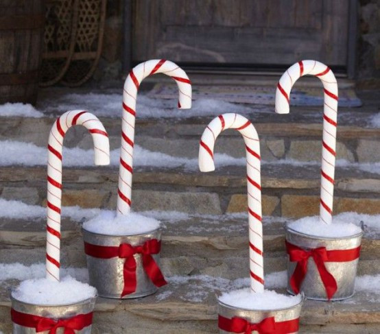 Candy Cane Outdoor Christmas Decorations  25 Fun Candy Cane Christmas Décor Ideas For Your Home