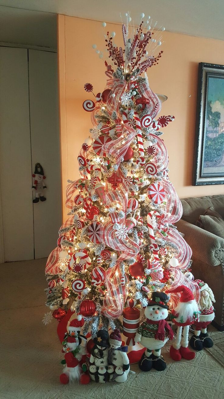 Candy Christmas Tree Decorations  Best 25 Candy cane christmas tree ideas on Pinterest