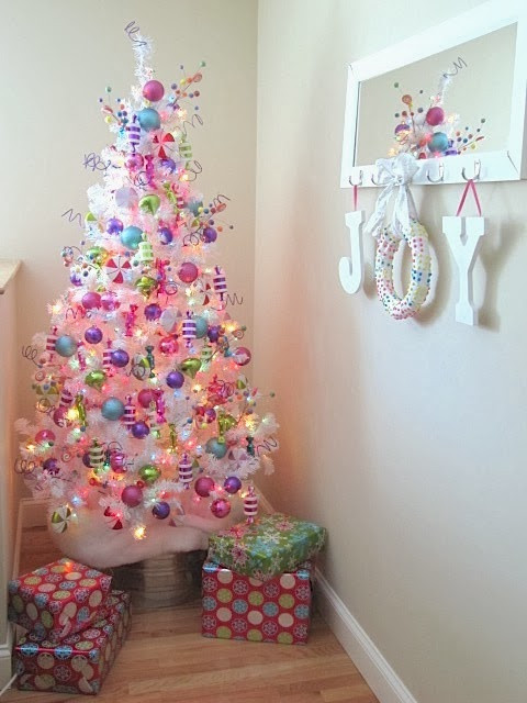 Candy Christmas Tree Decorations  Sew Many Ways Easy Christmas Candy Wreath