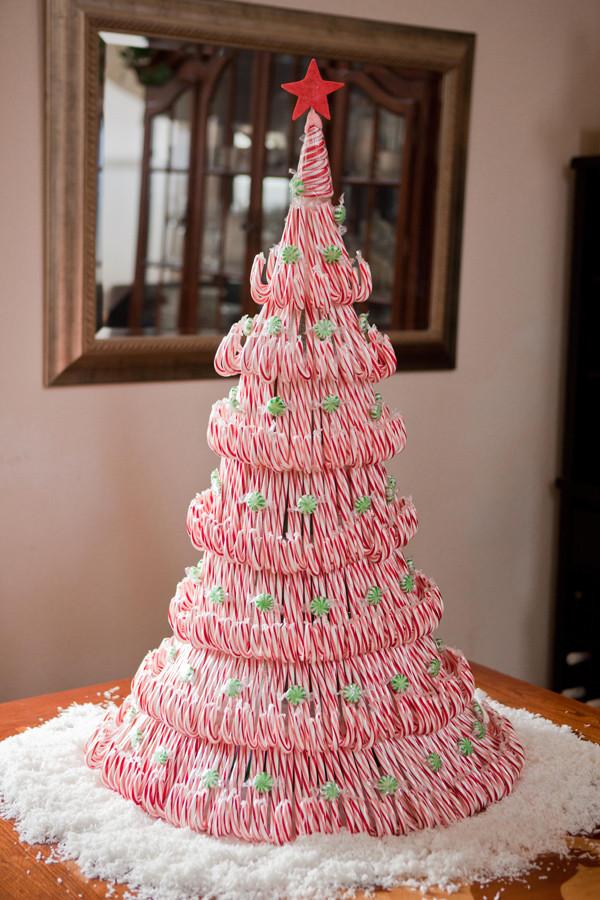 Candy Christmas Tree  18 DIY Candy Cane Christmas Tree Ideas