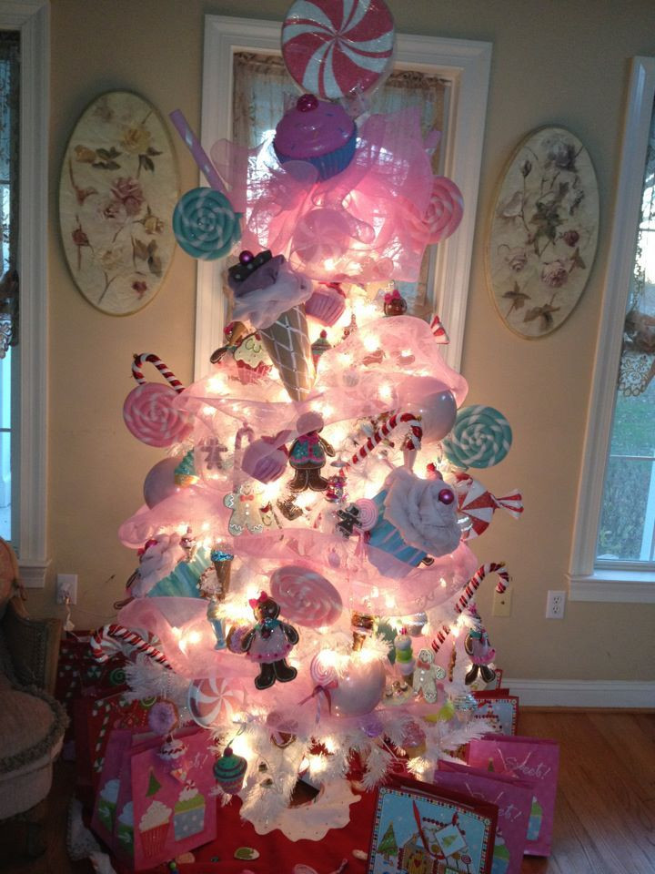 Candy Themed Christmas Decorations  192 best Candy themed Christmas decorations images on