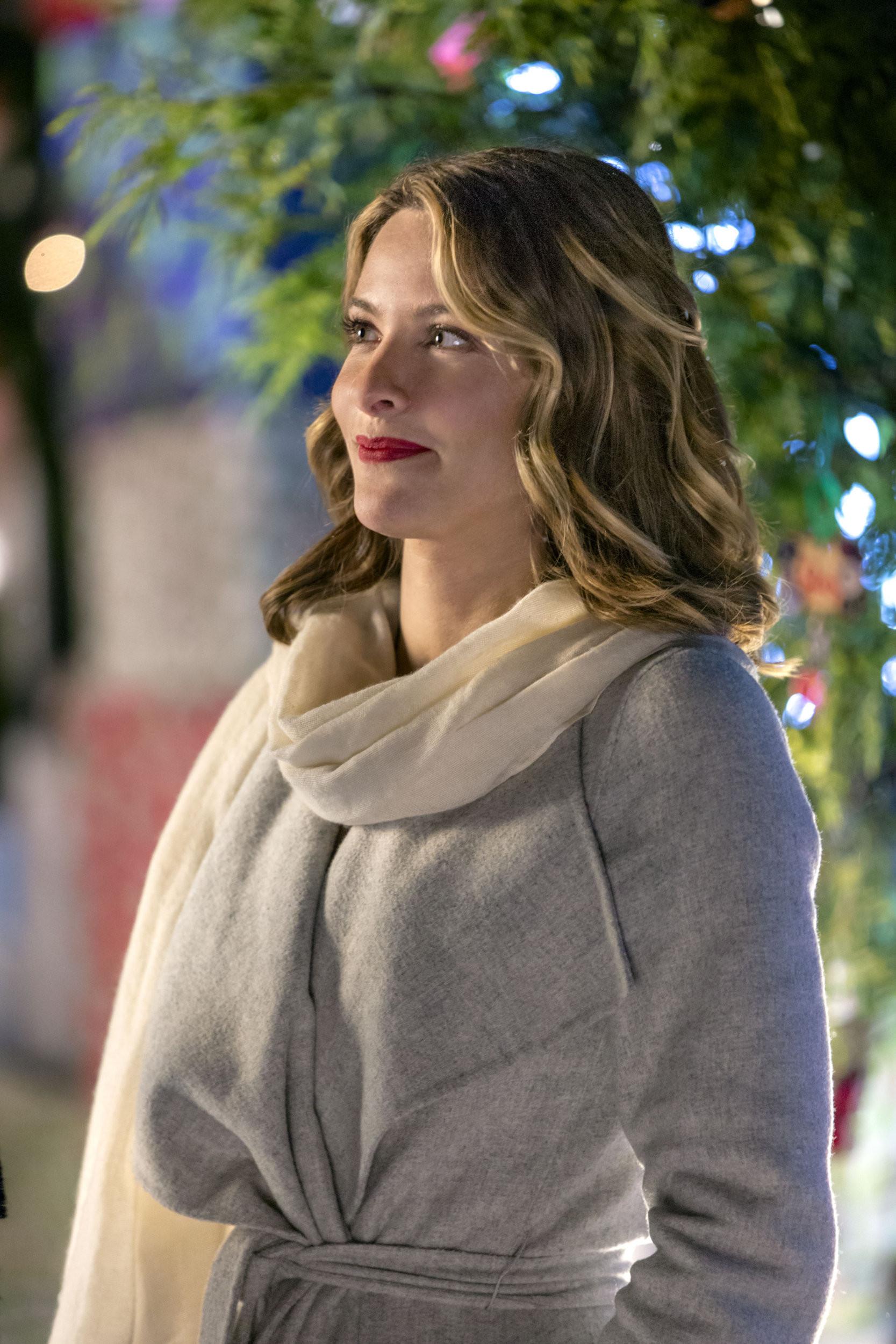 Cast Of Christmas Cookies  Jill Wagner as Hannah on Christmas Cookies