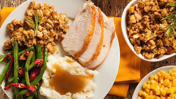 Catered Thanksgiving Dinner  Here s Where to Get Thanksgiving Dinner Catered in 2016
