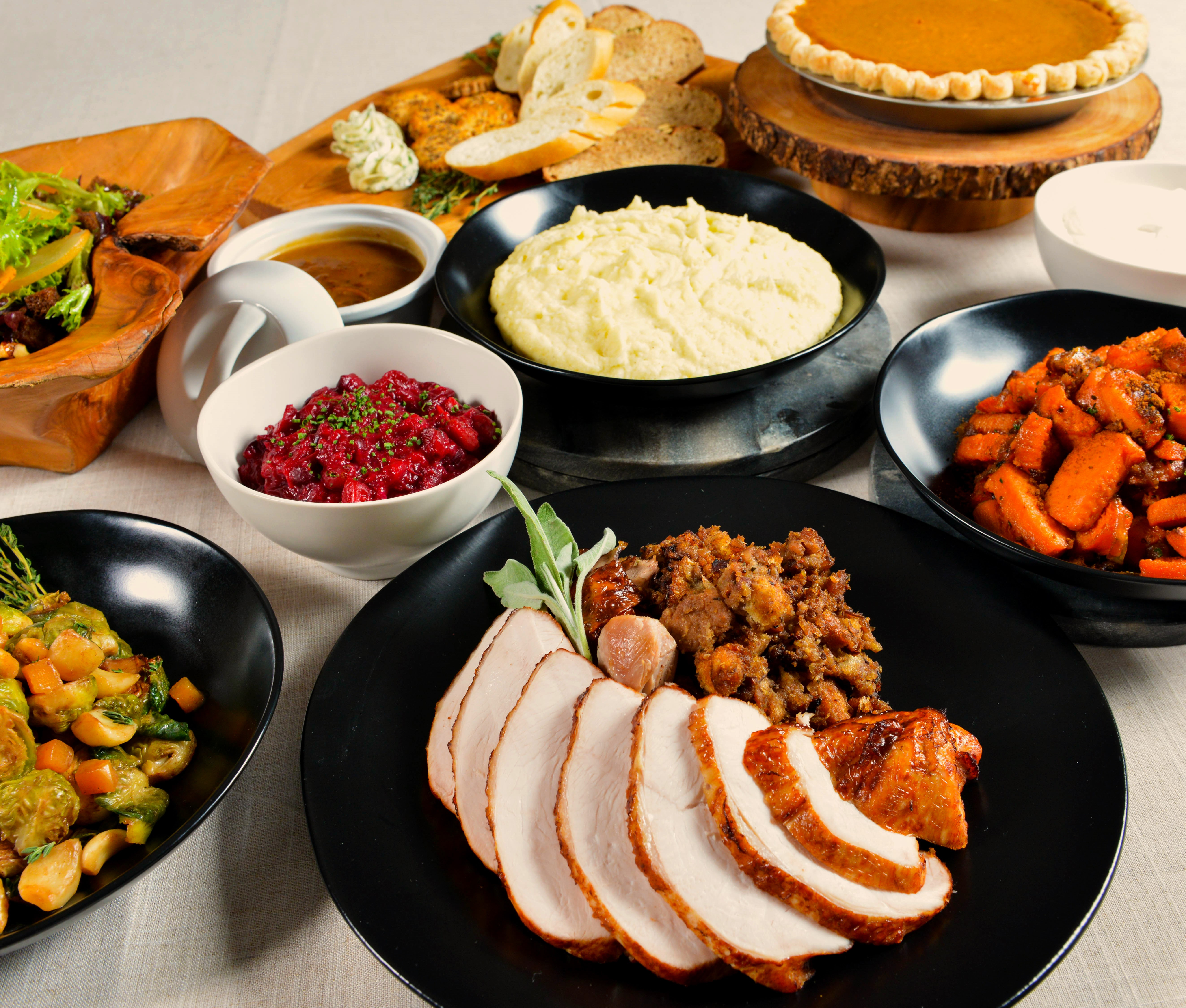 Catered Thanksgiving Dinners  catering gourmondoco