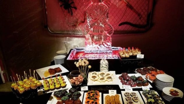 Cavs Halloween Cookies  LeBron James also trolled Warriors at Halloween party with