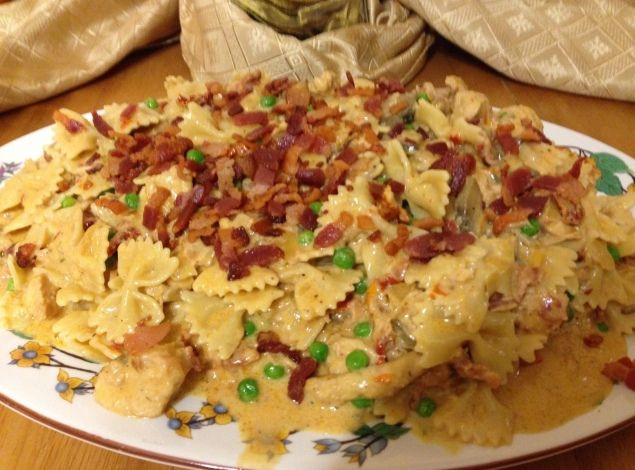 Cheesecake Factory Farfalle With Chicken And Roasted Garlic  Best 25 Cheesecake factory pasta ideas on Pinterest
