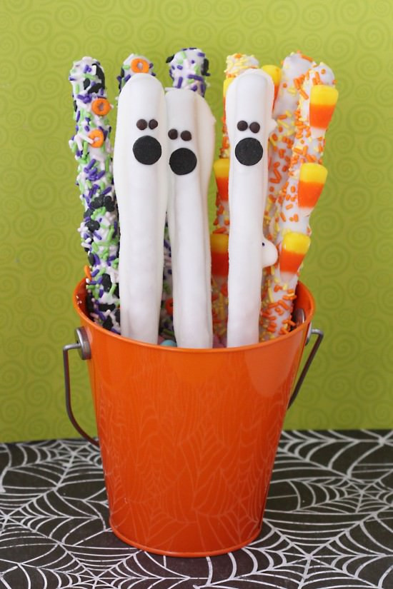 Chocolate Covered Pretzels Halloween  Easy Salty And Sweet Halloween Treats Tip Junkie