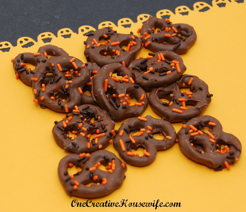 Chocolate Dipped Pretzels For Halloween  e Creative Housewife Halloween Chocolate Covered Pretzels