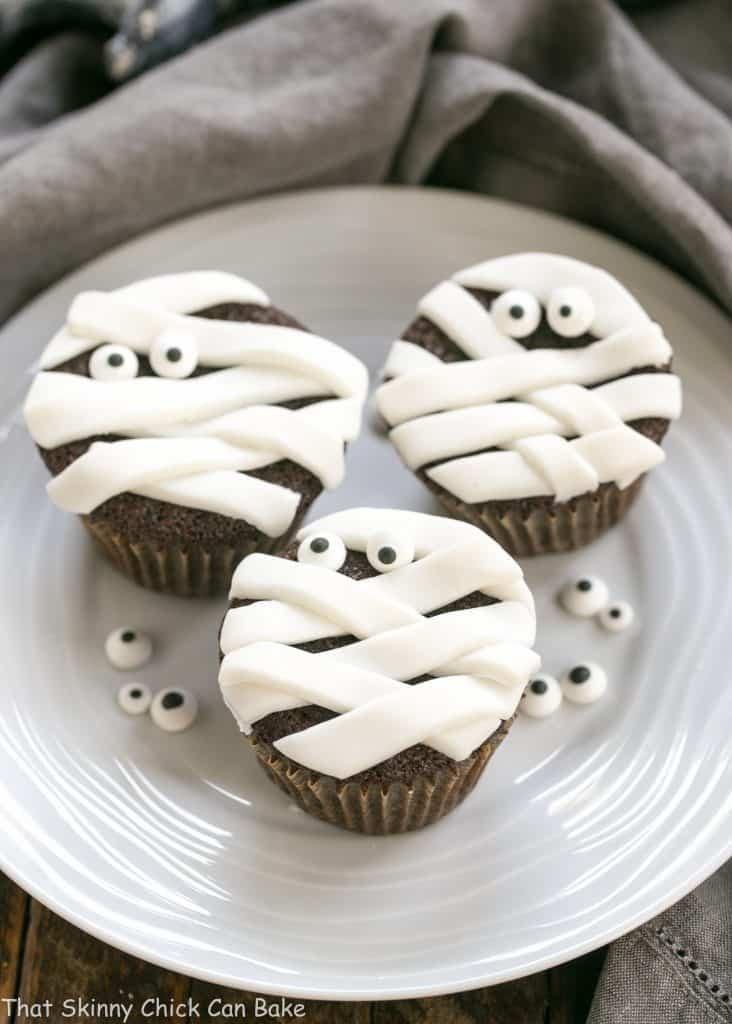 Chocolate Halloween Cupcakes  Chocolate Mummy Cupcakes That Skinny Chick Can Bake