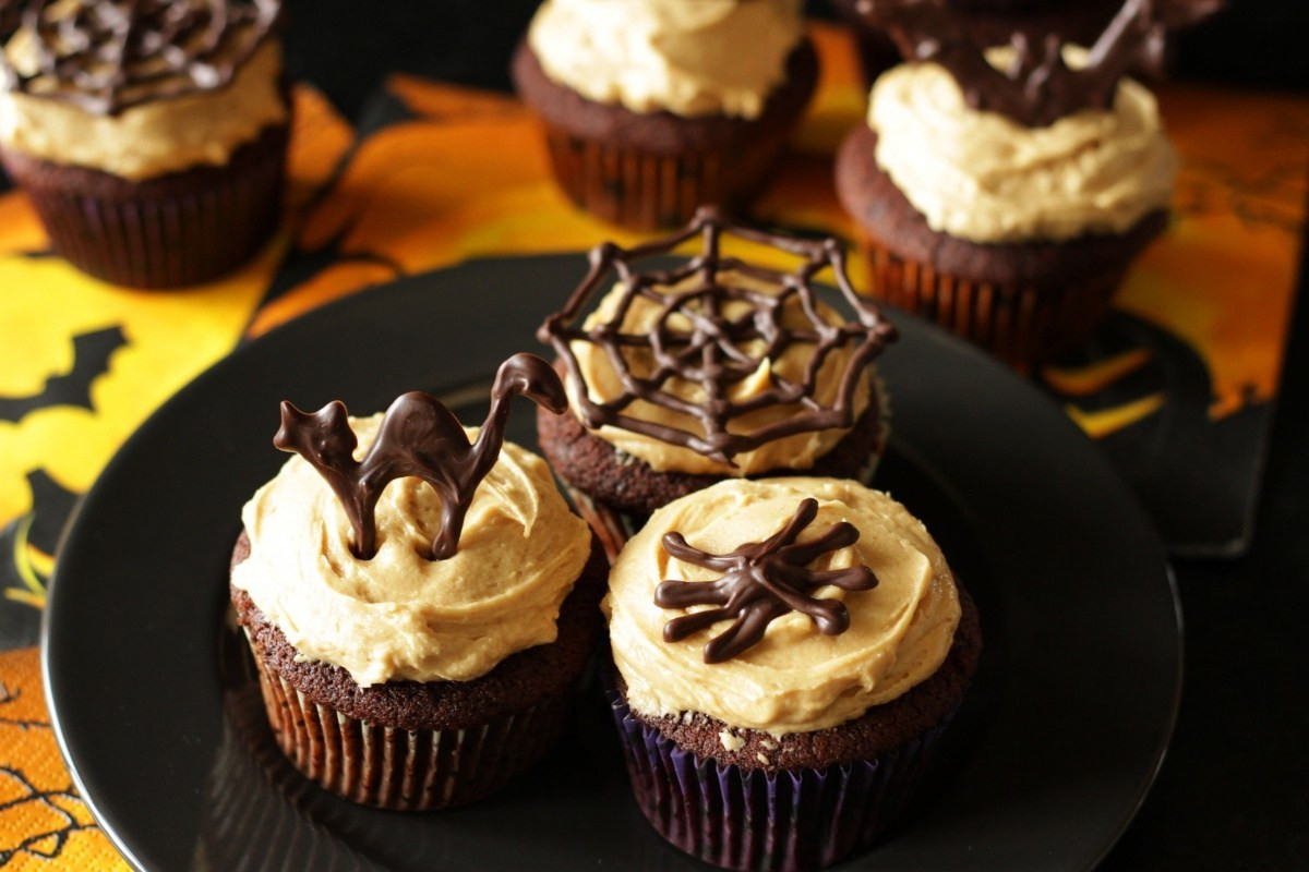Chocolate Halloween Cupcakes  Chocolate Halloween Cupcakes with Peanut Butter Frosting