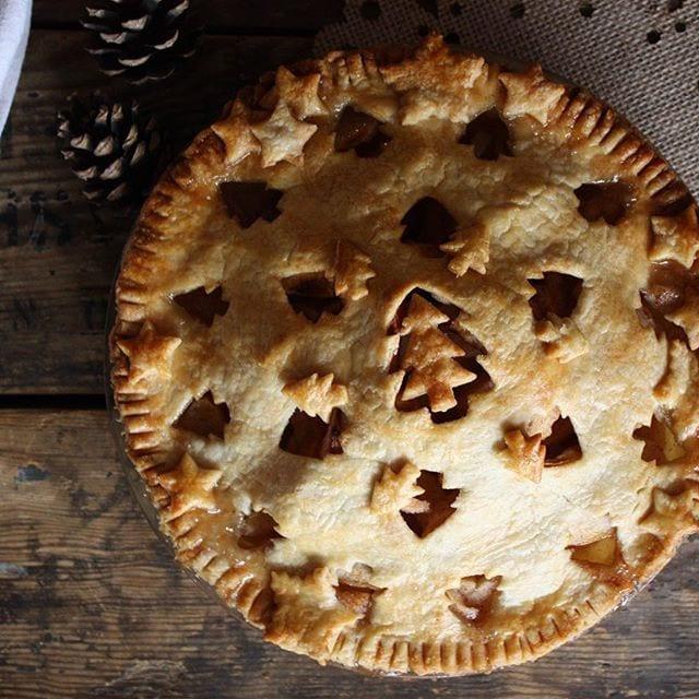Christmas Apple Pie  25 Amazing Pie Crusts