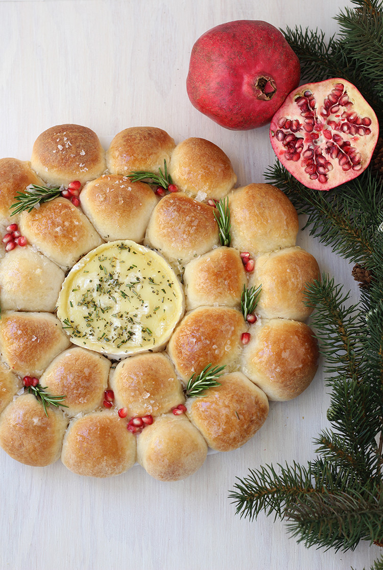 Christmas Bread Wreath  Baked Camembert Bread Wreath