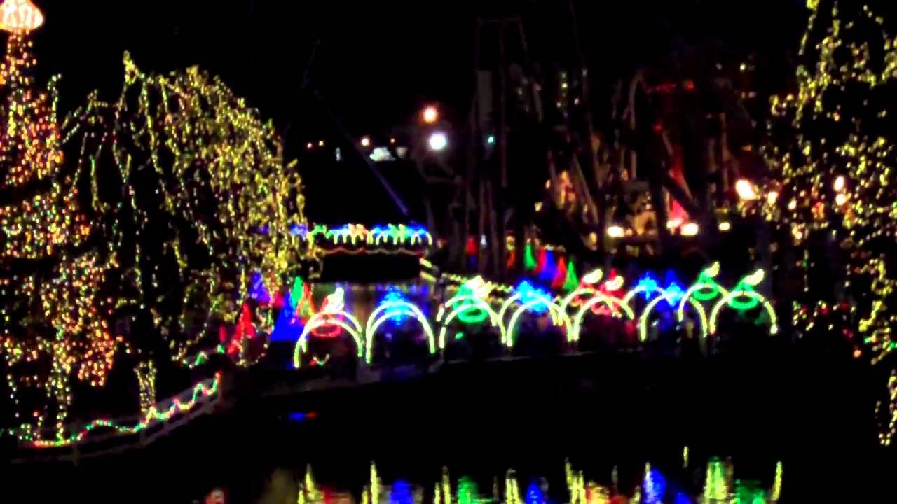 Christmas Candy Lane Hershey Park  Hersheypark Christmas Candylane NOEL LIght Show Jingle