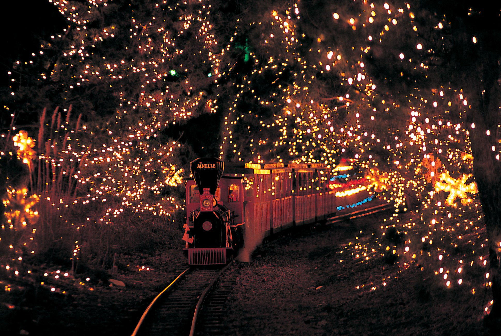 Christmas Candy Lane Hershey Park  Celebrate A Fun Winter Wonderland With The Entire Family