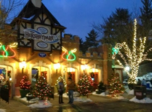 Christmas Candy Lane Hershey Park  Hersheypark Christmas Candylane My Toes Are Cold My Kids
