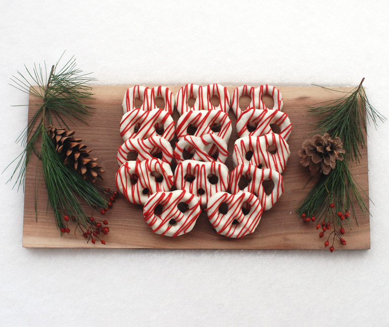 Christmas Chocolate Dipped Pretzels  Chocolate Covered Pretzels Christmas Style The
