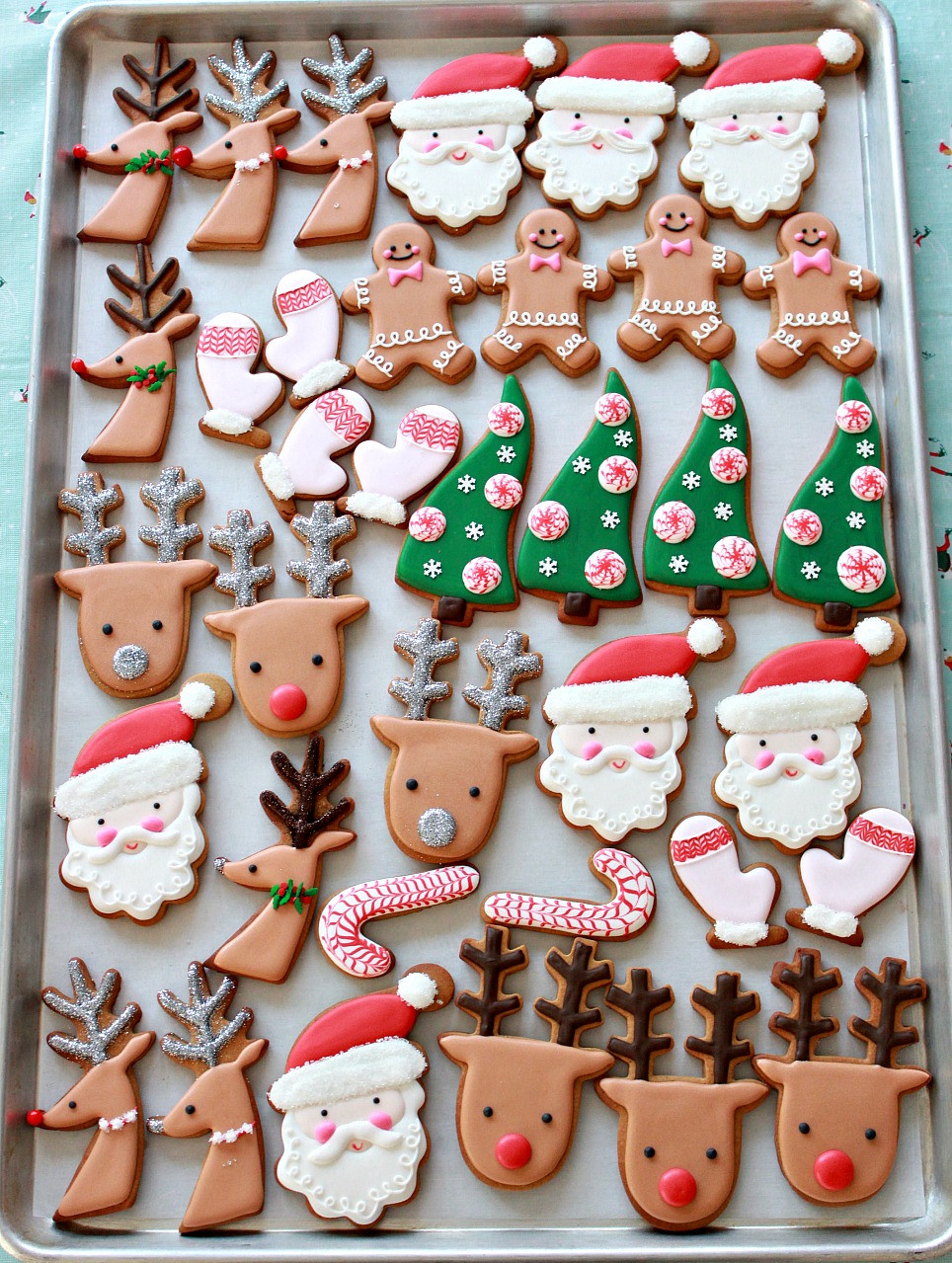 Christmas Cookies Decorated  Video How to Decorate Christmas Cookies Simple Designs