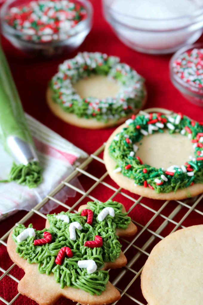 Christmas Cookies Frosting Recipes  Easy Sugar Cookie Icing for Christmas Sugar Cookies The