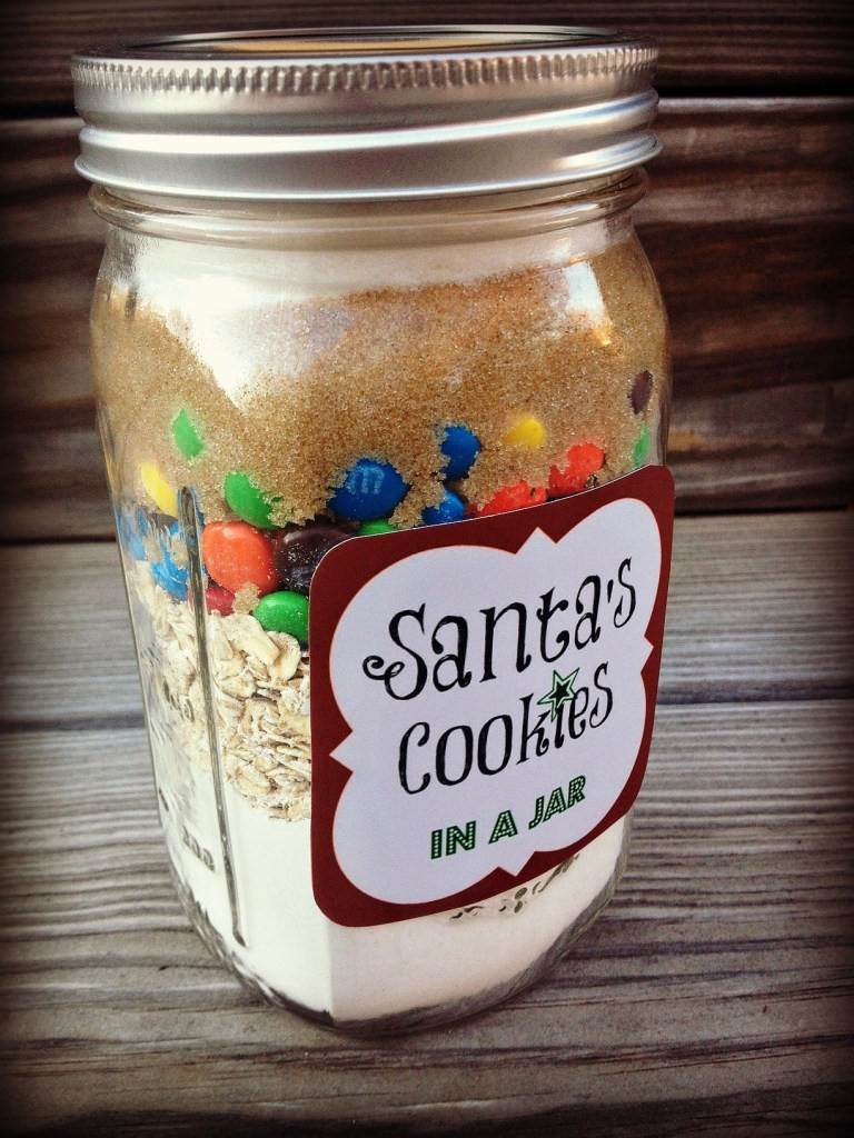 Christmas Cookies In Ajar  5 DIY Holiday Baked Gifts in a Jar with FREE Printable