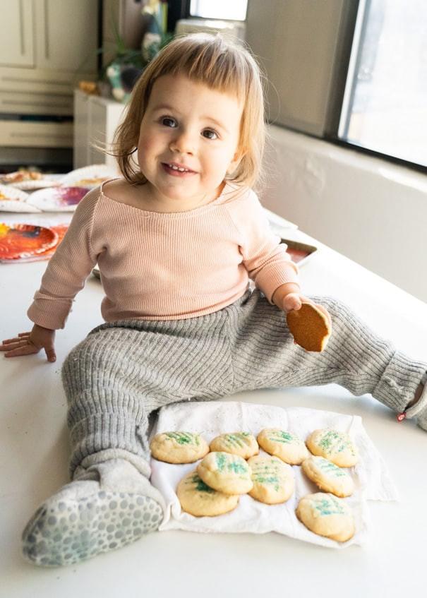 Christmas Cookies To Make With Kids  Christmas Cookies to Make With Kids Easy Sugar Cookies