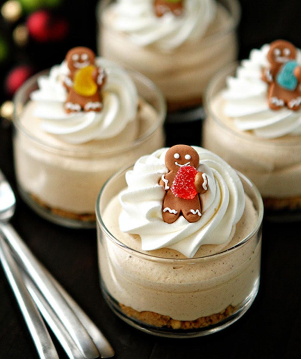 Christmas Dessert Cakes  Gingerbread Oreo No Bake Mini Cheesecakes