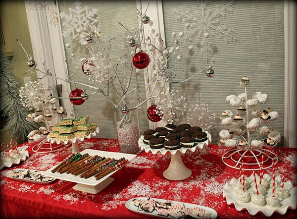 Christmas Dessert Table  7 Quick & Easy Décor Tips to Impress Your Guest at Christmas