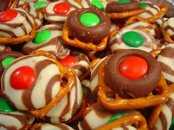 Christmas Pretzels Recipes  Easy Festive Chocolate Holiday Pretzels Recipe Food