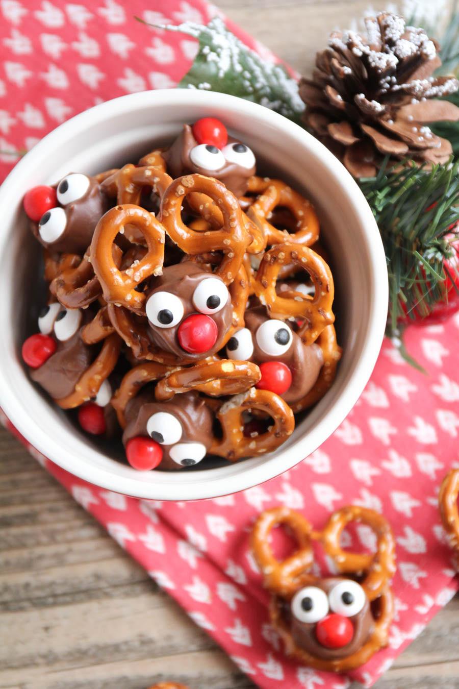 Christmas Pretzels Recipes  25 Fun Christmas Treat Ideas – Fun Squared