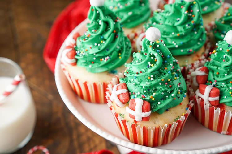 Christmas Tree Cupcakes  Easy Christmas Tree Cupcakes