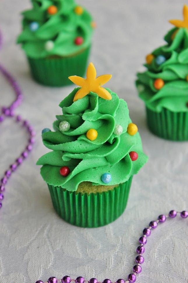 Christmas Tree Cupcakes  18 Adorable Christmas Cupcake Recipe Ideas That Are