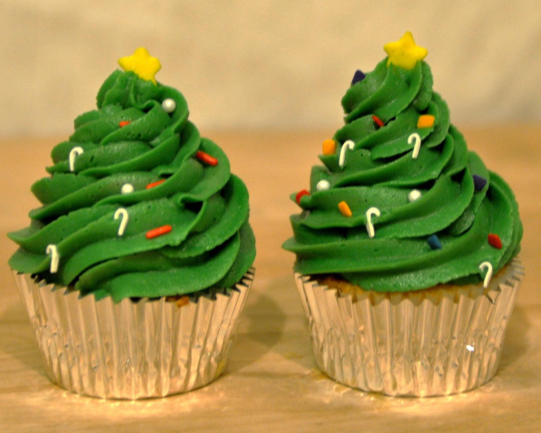 Christmas Tree Cupcakes  Beki Cook s Cake Blog Simple Christmas Cake