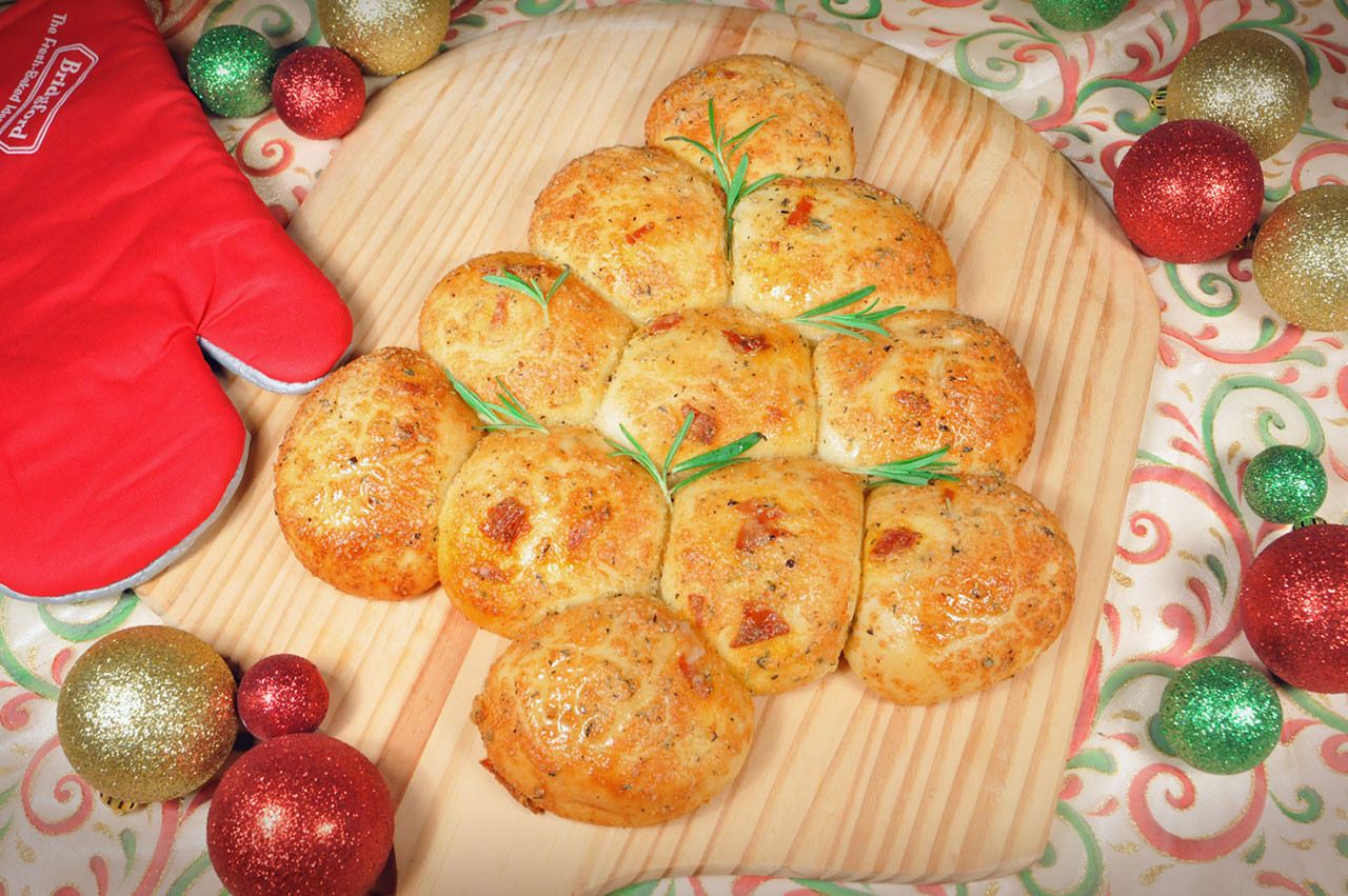 Christmas Tree Pull Apart Bread  Bread and Roll Dough Pepperoni Christmas Tree Pull Apart