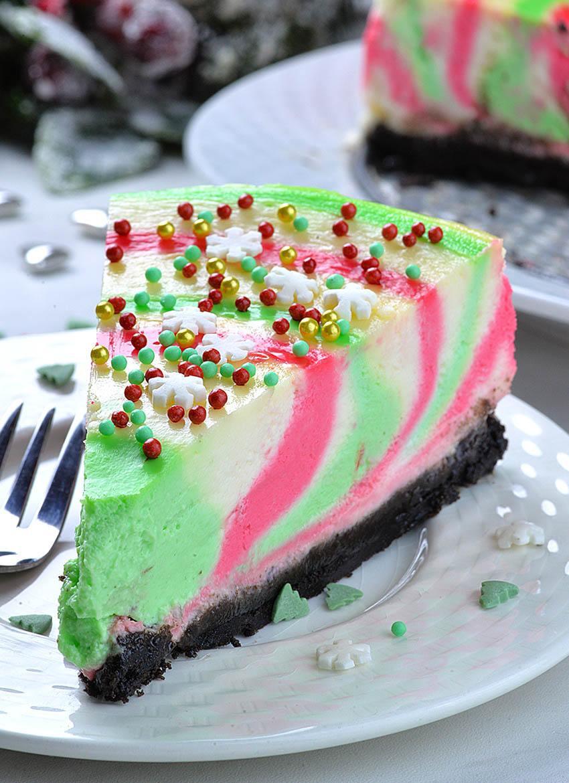 Cool Christmas Desserts  Christmas Cheesecake