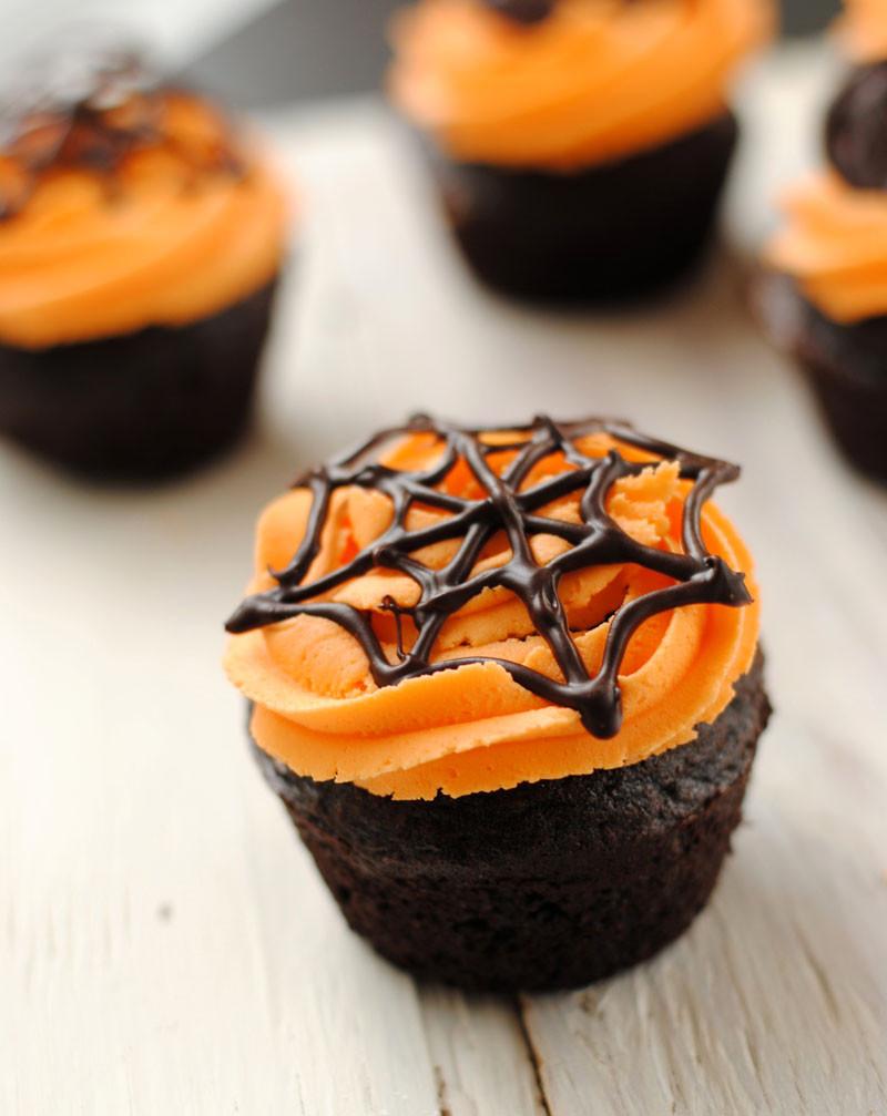 Cool Halloween Cupcakes  Leanne bakes Halloween Cupcakes