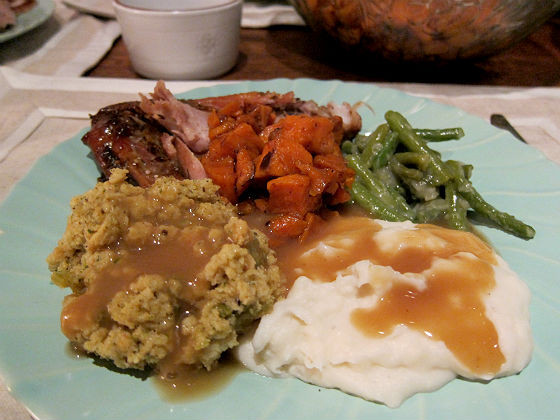 Costco Thanksgiving Dinner  Thanksgiving for the supremely lazy The $80 box of frozen
