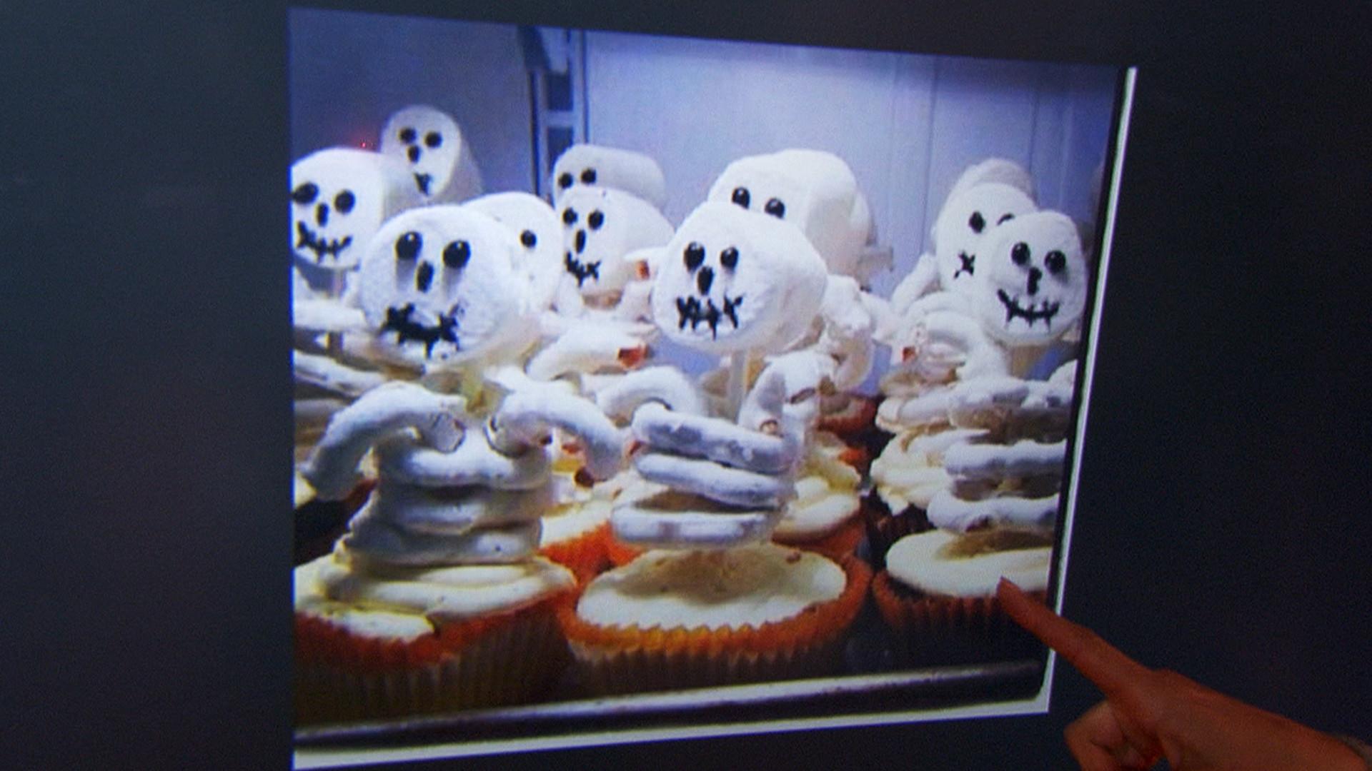 Creative Halloween Desserts  Skeleton cupcakes mummy cookies Your creative Halloween