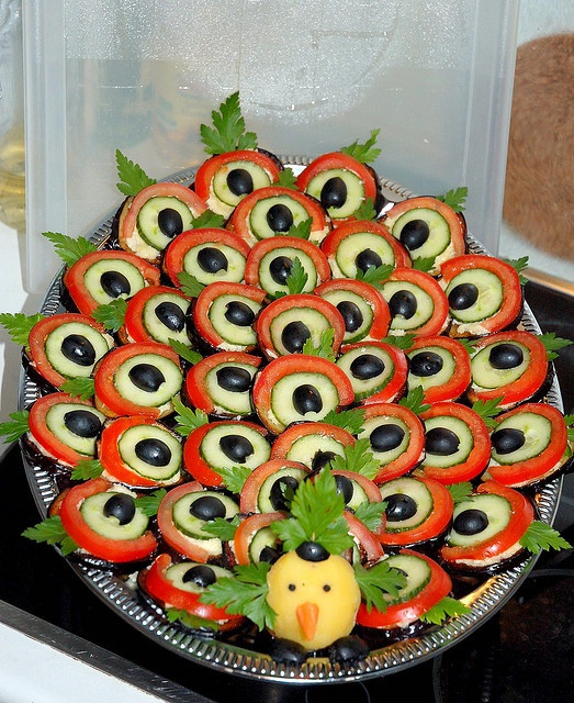 Creative Thanksgiving Appetizers  Peacock design appetizer how unique
