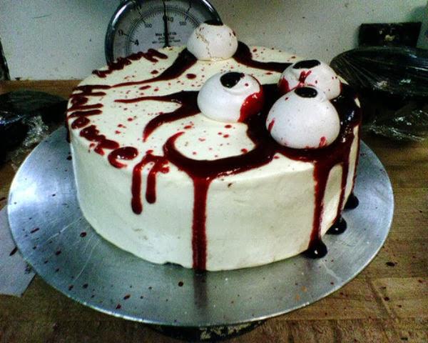 Creepy Halloween Cakes  25 Weird Creepy Spooky and Scary Halloween Cakes