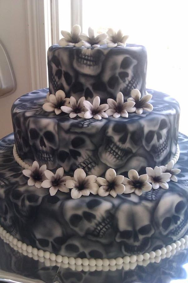 Creepy Halloween Cakes  25 Best Ideas about Scary Cakes on Pinterest