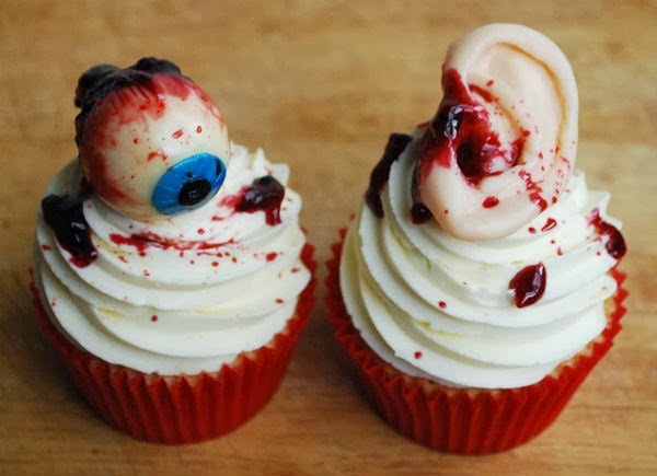 Creepy Halloween Cupcakes  25 Weird Creepy Spooky and Scary Halloween Cakes