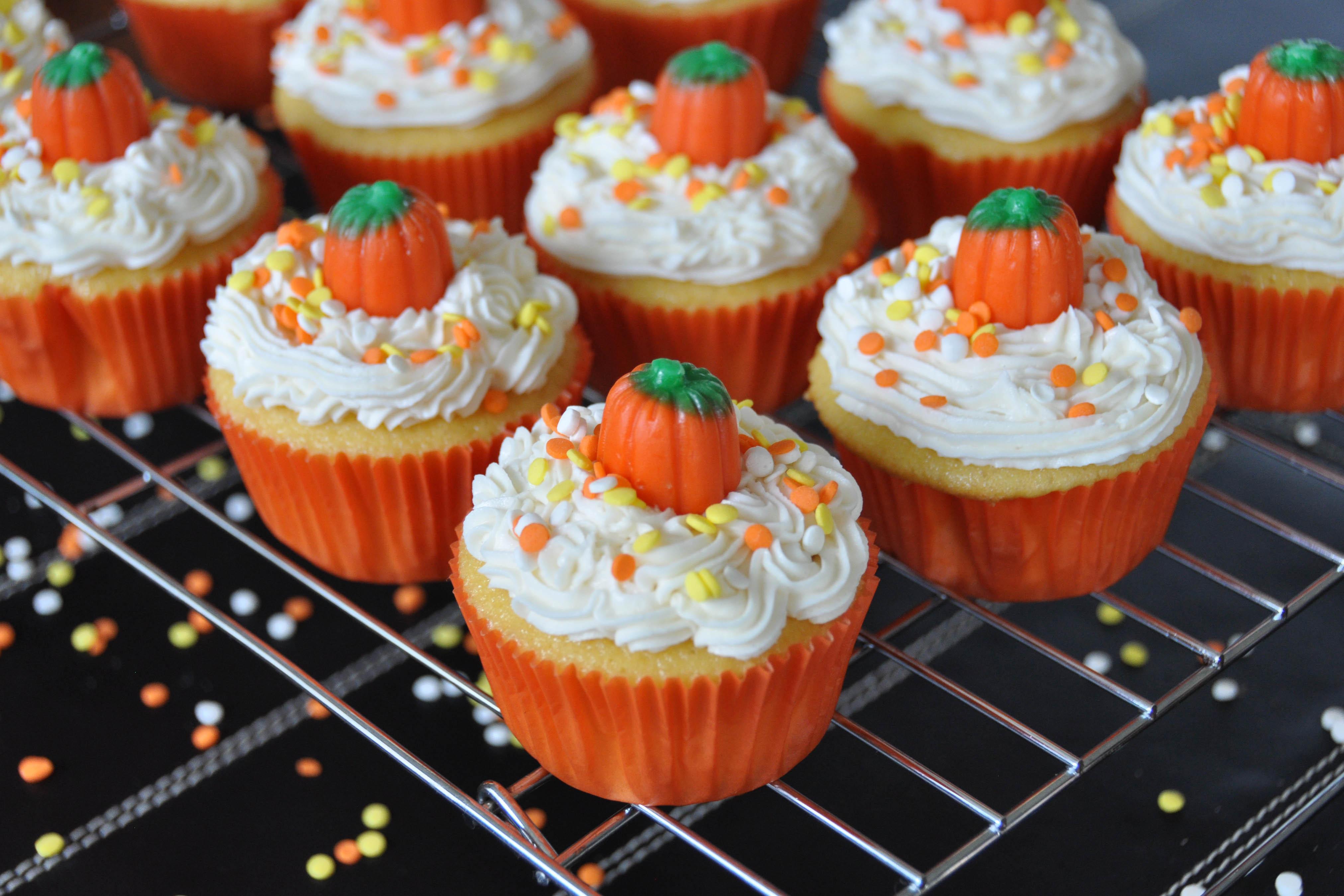 Cupcakes For Halloween  Pumpkin Cupcakes