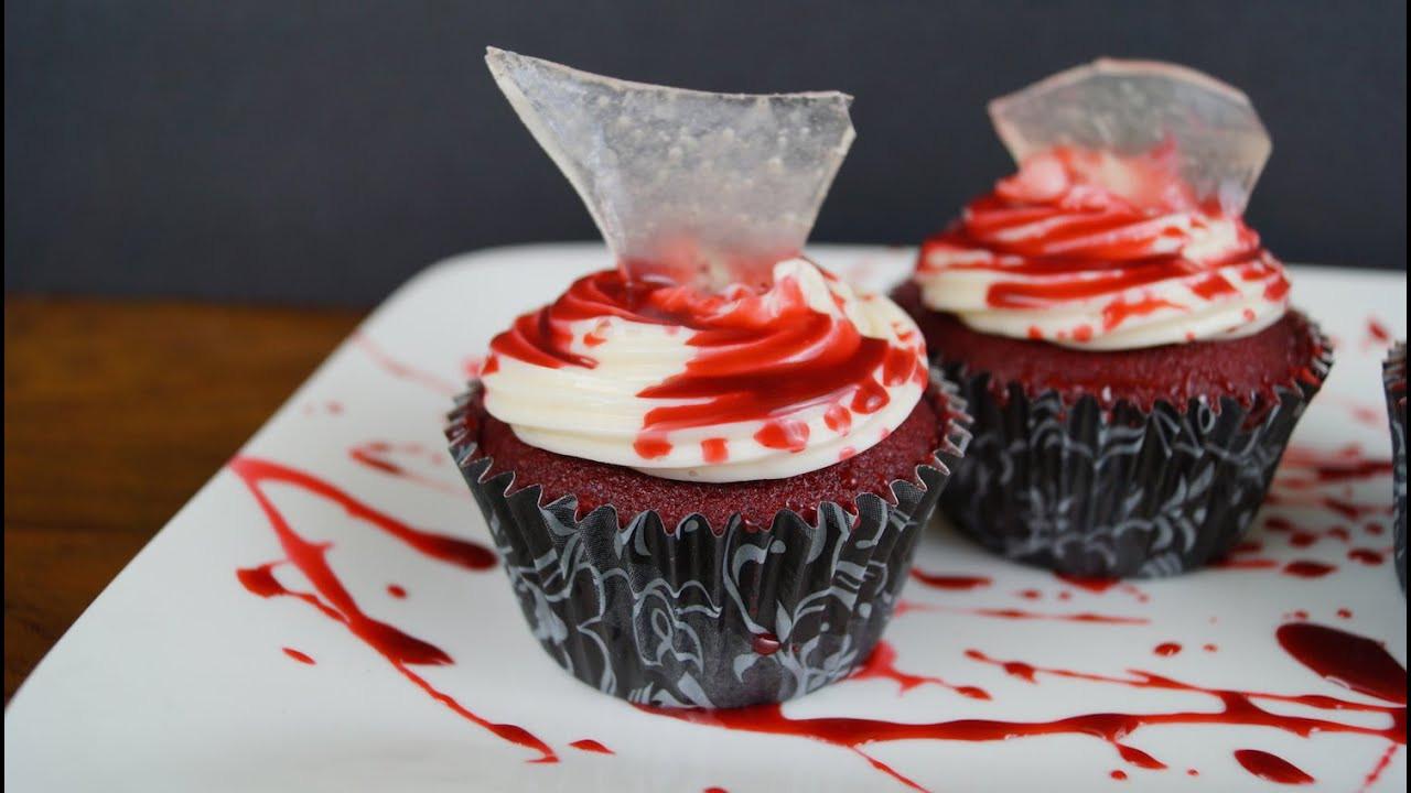 Cupcakes Para Halloween  Cupcakes Pastelitos Sangrientos Para Halloween ¡Auch