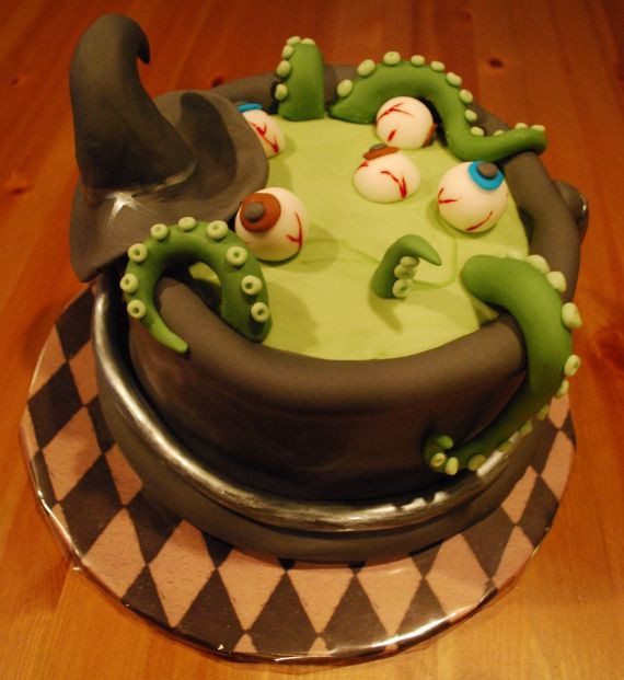 Cute Halloween Cakes  Cute & Non scary Halloween Cake Decorations 2