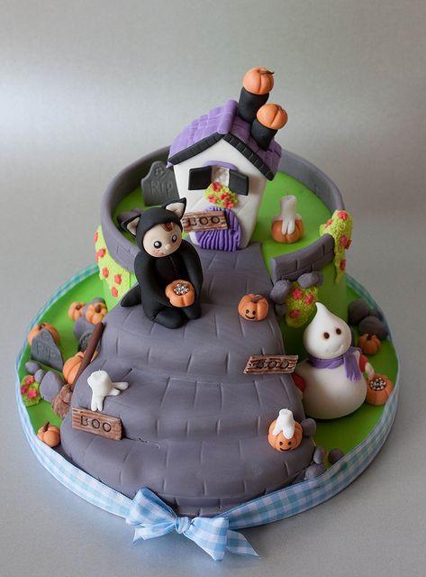 Cute Halloween Cakes  Cute Halloweencake Autumn Halloween cakes